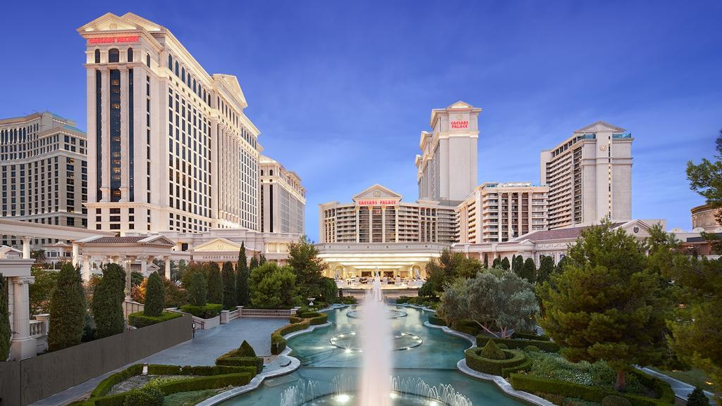 http://bottle-service-vegas.com/wp-content/uploads/2012/11/Caesars-Palace-hotel-casino.jpg
