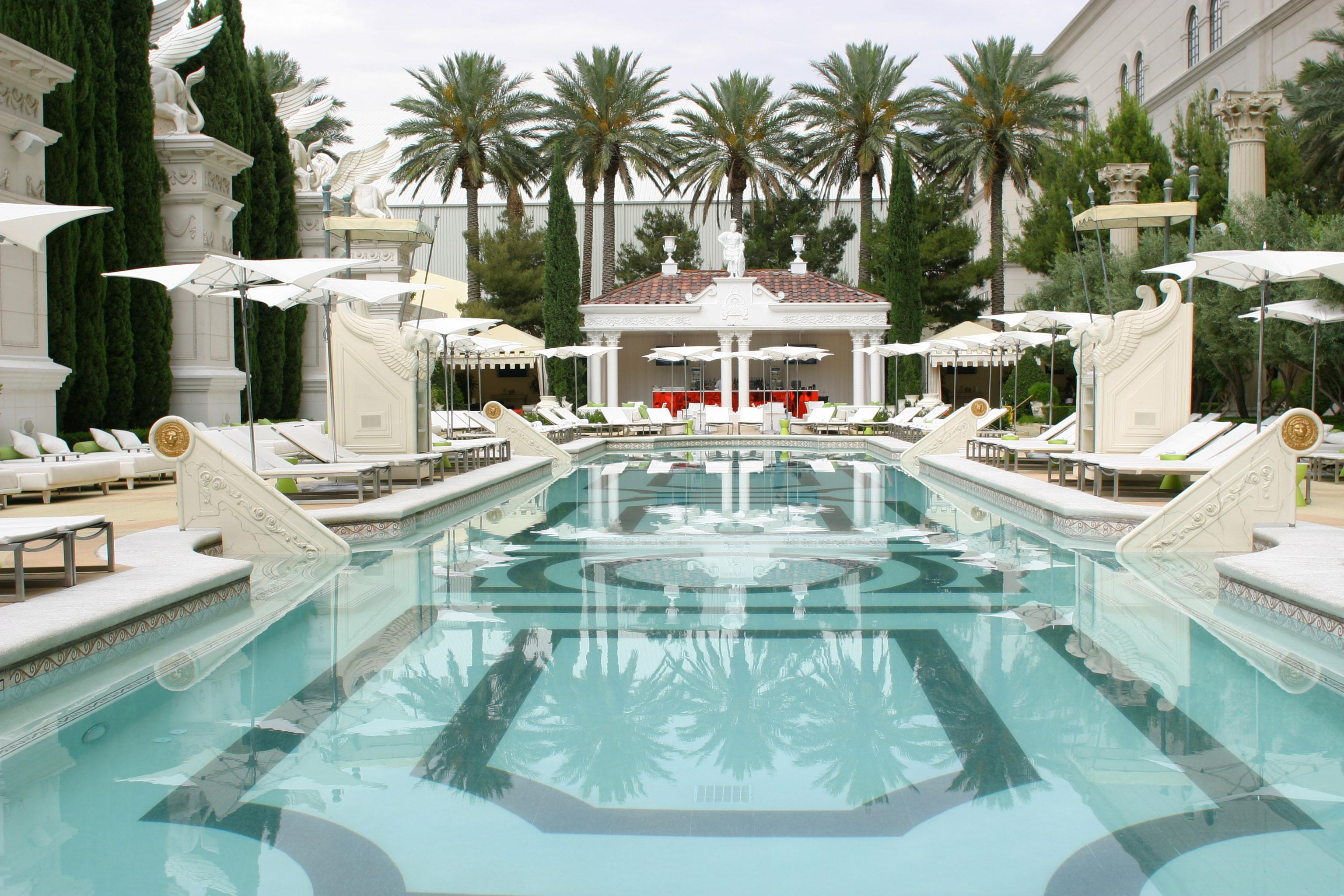 Venus Pool Lounge Cabana Prices & Bottle Service Cost